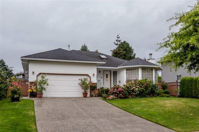 Main Photo: 5645 Sundale in Surrey: House for sale (Cloverdale)  : MLS®# R2106662