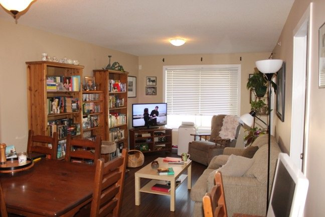 "Photo 2: Photos: 420 33960 OLD YALE Road in Abbotsford: Central Abbotsford Condo for sale in ""Old Yale Heights"" : MLS®# R2200595"
