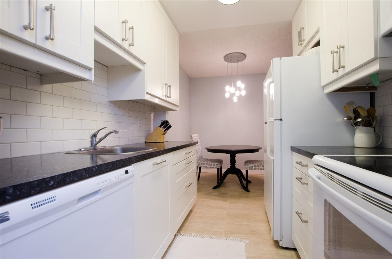 """Photo 5: Photos: 211 9101 HORNE Street in Burnaby: Government Road Condo for sale in """"Woodstone Place"""" (Burnaby North)  : MLS®# R2203020"""