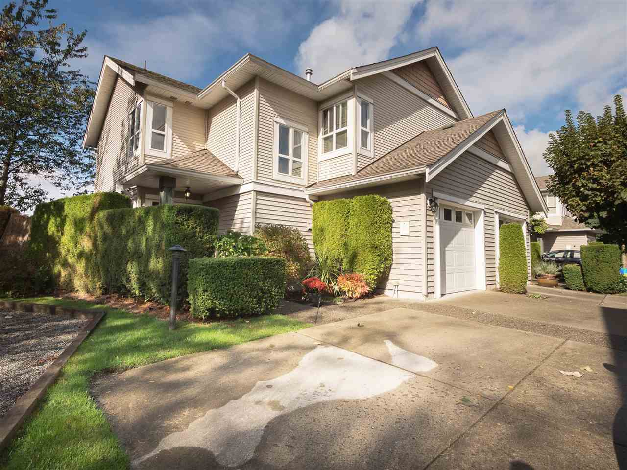 "Main Photo: 8 6513 200 Street in Langley: Willoughby Heights Townhouse for sale in ""Logan Creek"" : MLS®# R2213633"