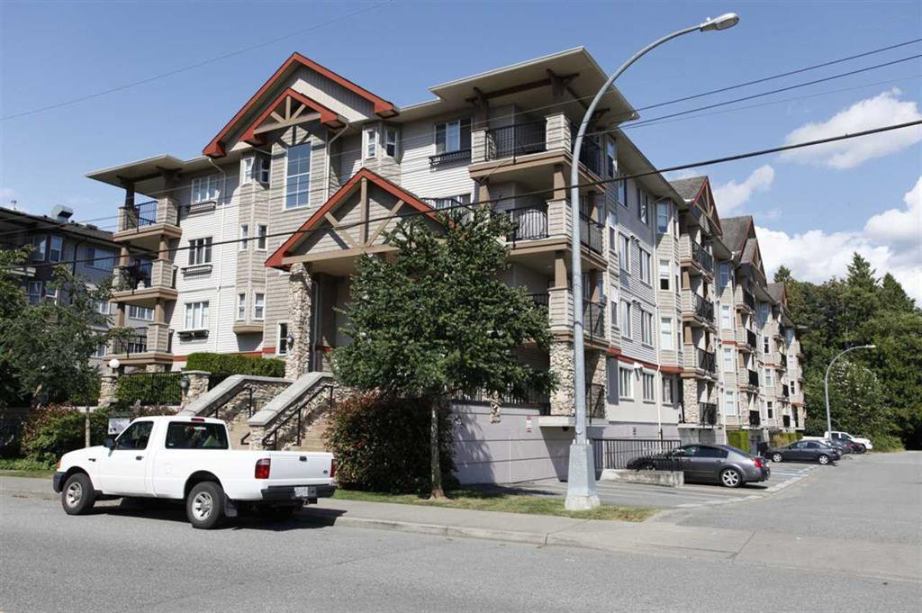 "Main Photo: 207 5438 198 Street in Langley: Langley City Condo for sale in ""Creekside Estates"" : MLS®# R2213768"