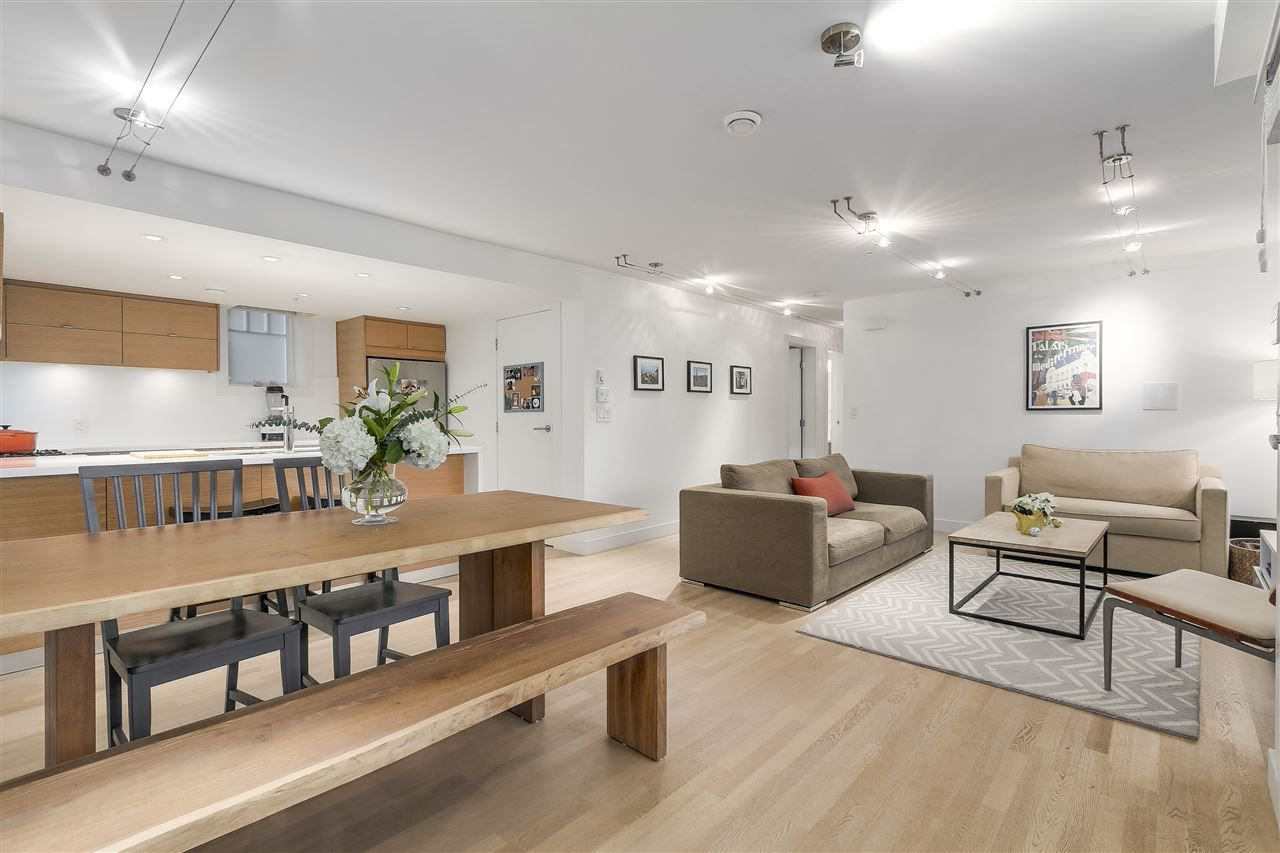"""Main Photo: 1060 CARDERO Street in Vancouver: West End VW Townhouse for sale in """"COMOX & CARDERO"""" (Vancouver West)  : MLS®# R2224389"""