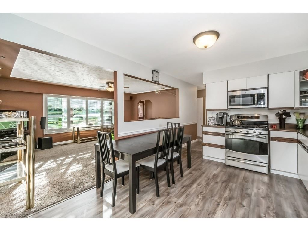 Photo 8: Photos: 22609 124 Avenue in Maple Ridge: East Central House for sale : MLS®# R2233577