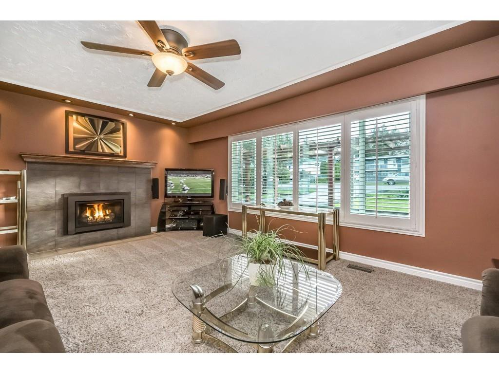 Photo 7: Photos: 22609 124 Avenue in Maple Ridge: East Central House for sale : MLS®# R2233577