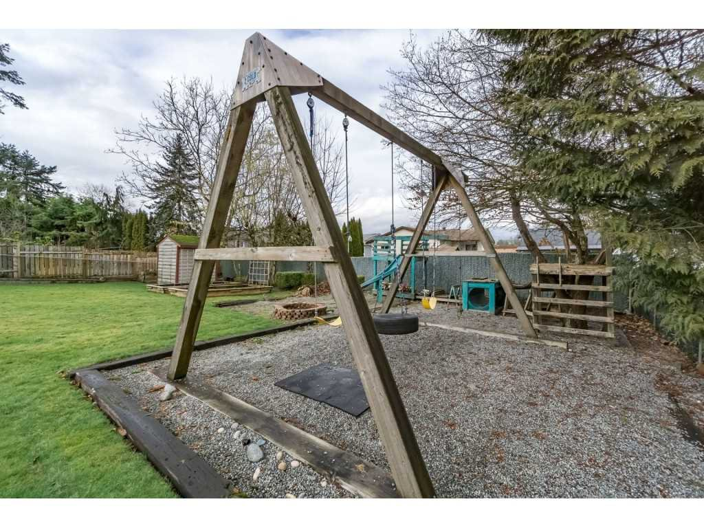 Photo 18: Photos: 22609 124 Avenue in Maple Ridge: East Central House for sale : MLS®# R2233577