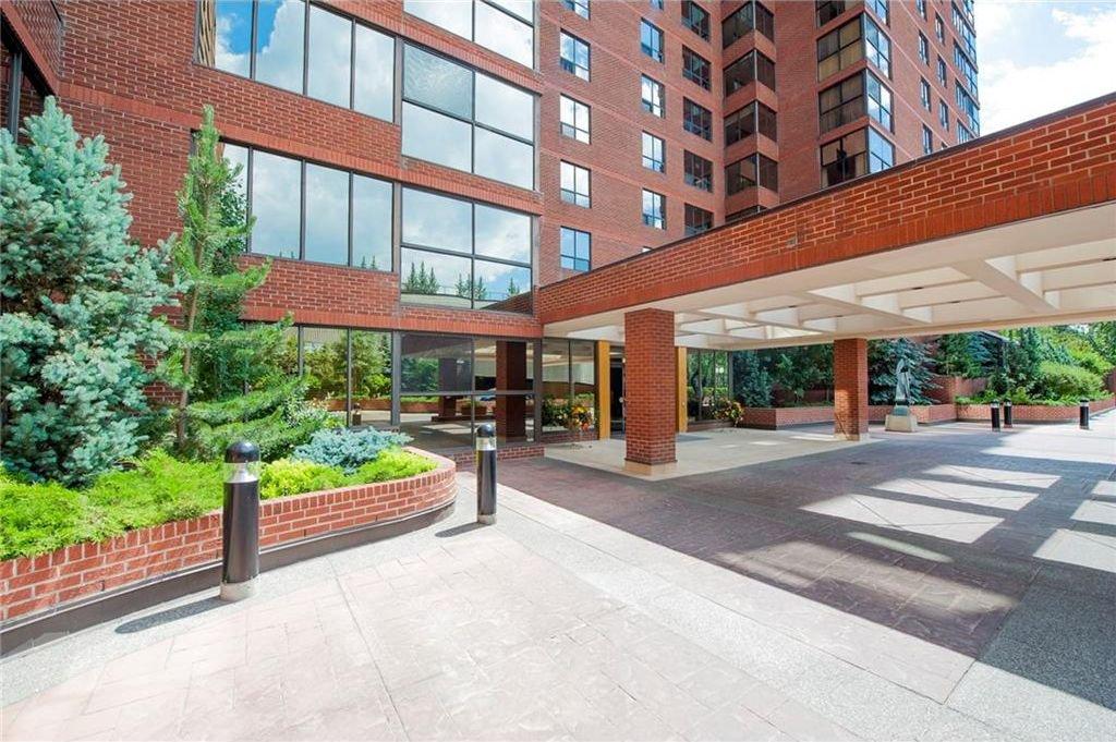 Main Photo: 401 318 26 Avenue SW in Calgary: Mission Condo for sale : MLS®# C4163595