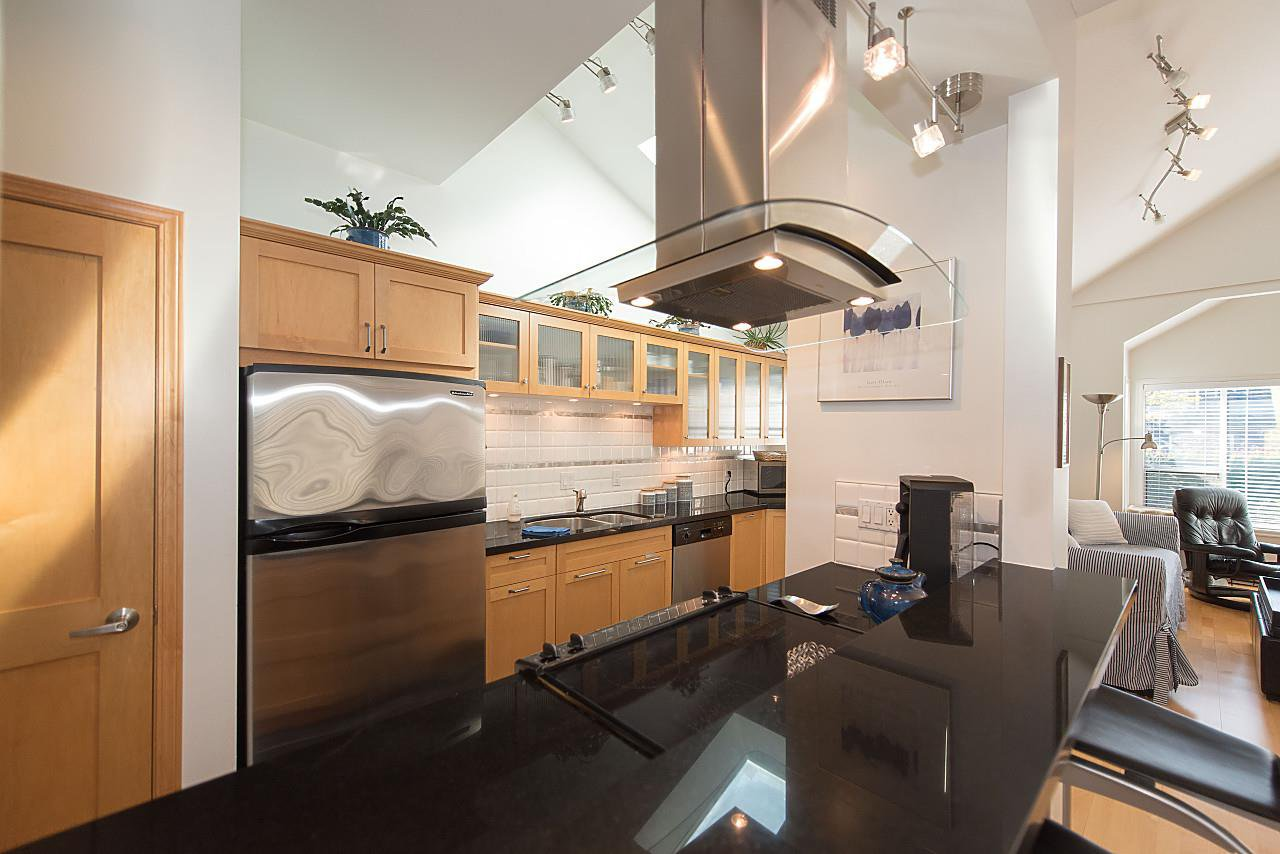 Photo 11: Photos: 1849 W 12TH Avenue in Vancouver: Kitsilano Townhouse for sale (Vancouver West)  : MLS®# R2236443