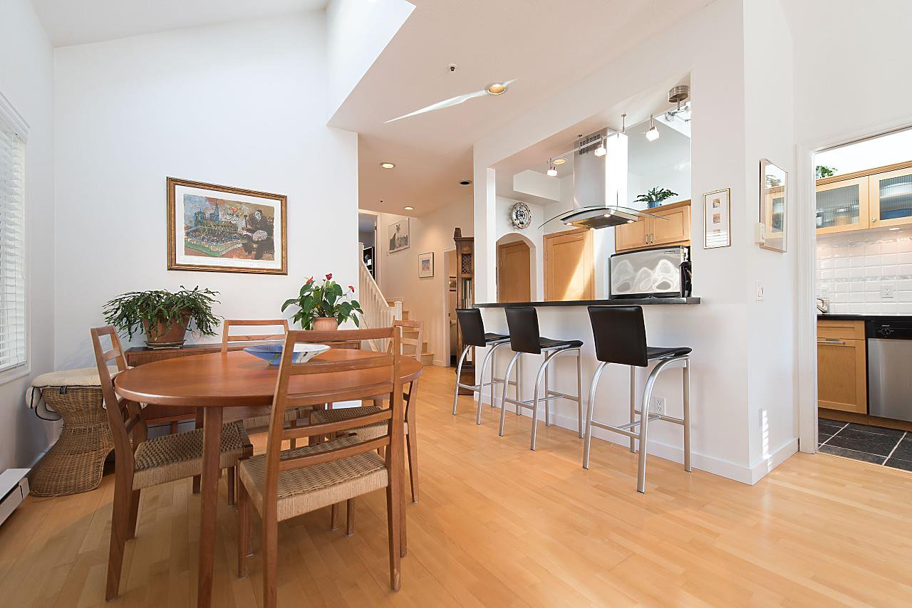 Photo 7: Photos: 1849 W 12TH Avenue in Vancouver: Kitsilano Townhouse for sale (Vancouver West)  : MLS®# R2236443