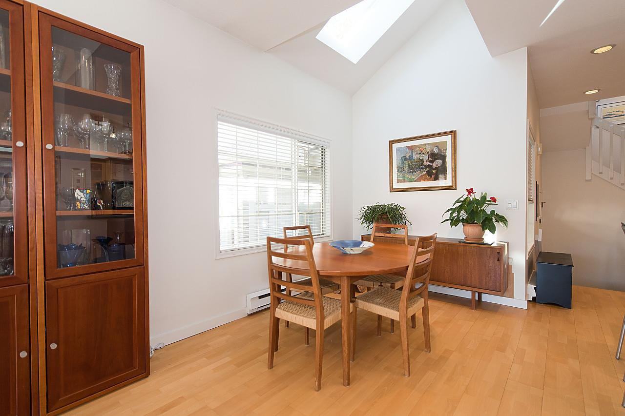 Photo 6: Photos: 1849 W 12TH Avenue in Vancouver: Kitsilano Townhouse for sale (Vancouver West)  : MLS®# R2236443