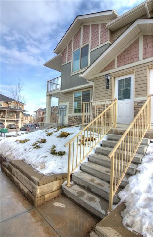 Main Photo: 1404 250 SAGE VALLEY Road NW in Calgary: Sage Hill House for sale : MLS®# C4178189