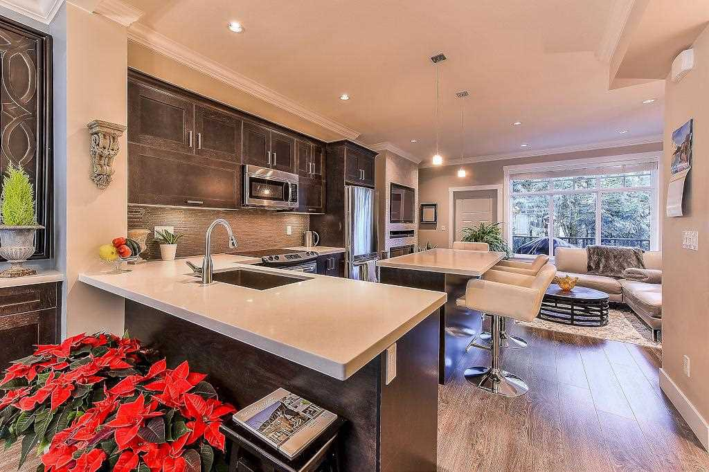 """Photo 6: Photos: 21 7090 180TH Street in Surrey: Cloverdale BC Townhouse for sale in """"The Boardwalk"""" (Cloverdale)  : MLS®# R2326402"""