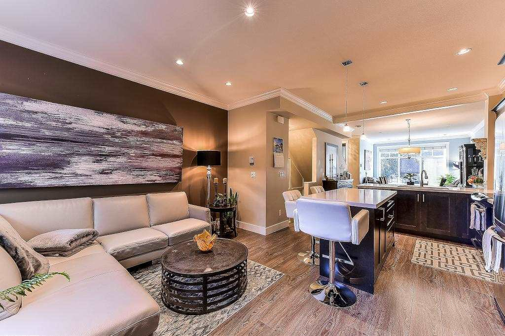 """Photo 9: Photos: 21 7090 180TH Street in Surrey: Cloverdale BC Townhouse for sale in """"The Boardwalk"""" (Cloverdale)  : MLS®# R2326402"""