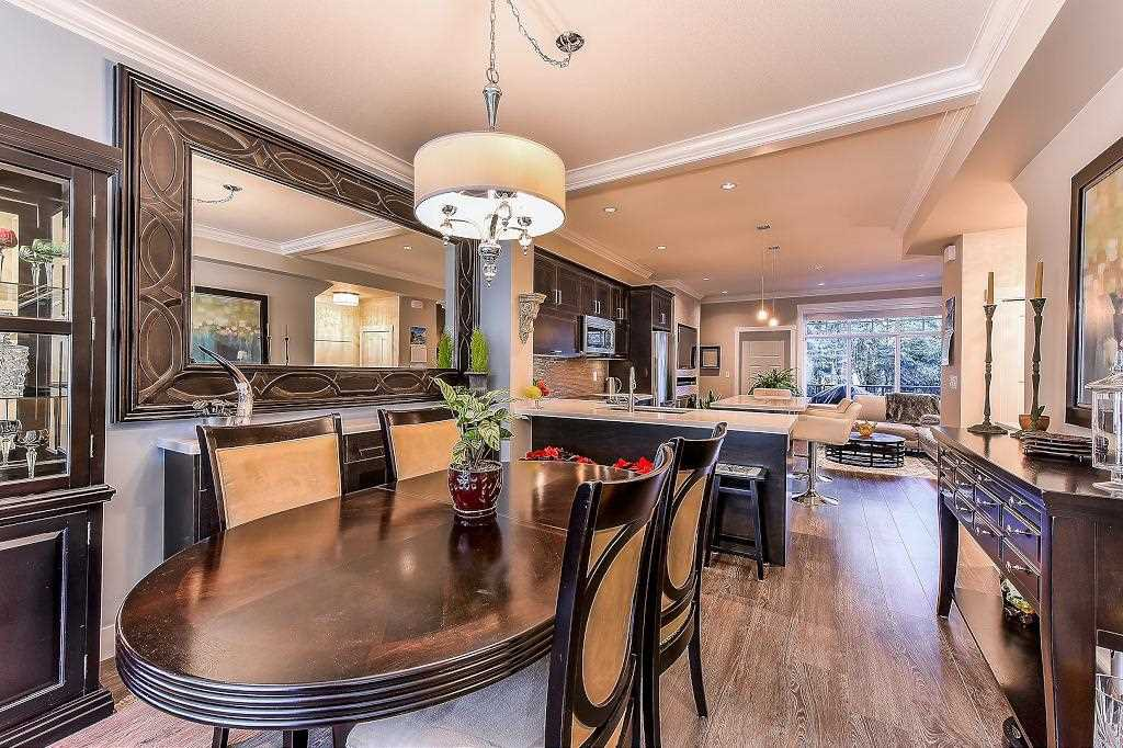 """Photo 5: Photos: 21 7090 180TH Street in Surrey: Cloverdale BC Townhouse for sale in """"The Boardwalk"""" (Cloverdale)  : MLS®# R2326402"""
