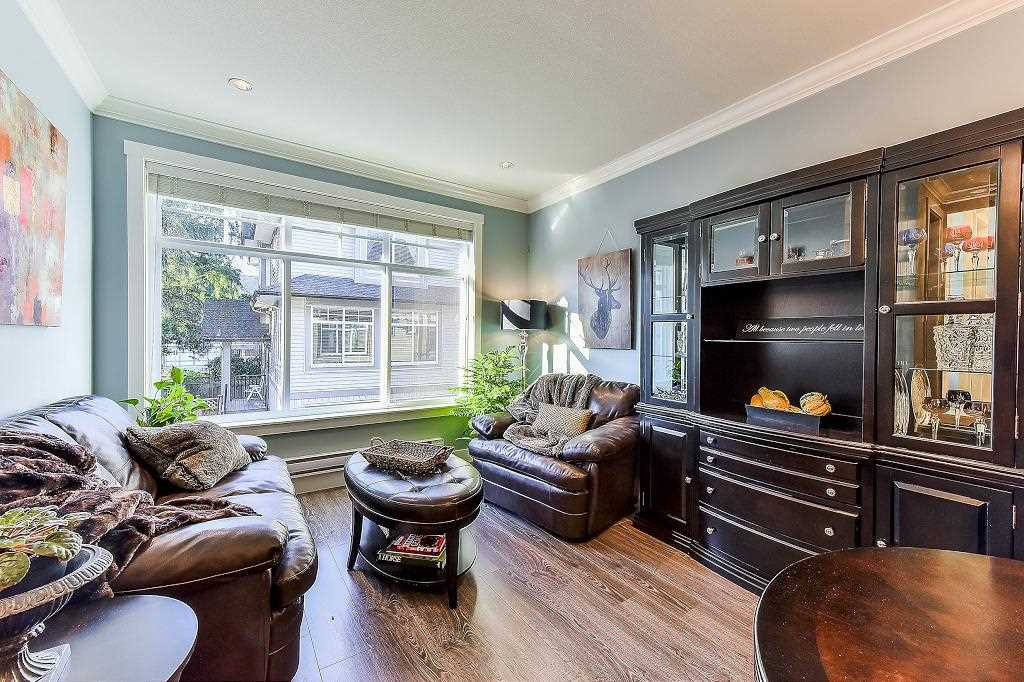 """Photo 4: Photos: 21 7090 180TH Street in Surrey: Cloverdale BC Townhouse for sale in """"The Boardwalk"""" (Cloverdale)  : MLS®# R2326402"""