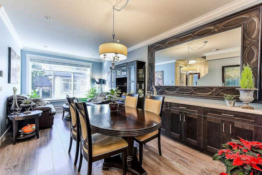 """Photo 3: Photos: 21 7090 180TH Street in Surrey: Cloverdale BC Townhouse for sale in """"The Boardwalk"""" (Cloverdale)  : MLS®# R2326402"""