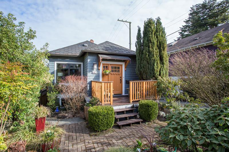 Main Photo: 647 E 21ST Avenue in Vancouver: Fraser VE House for sale (Vancouver East)  : MLS®# R2354074