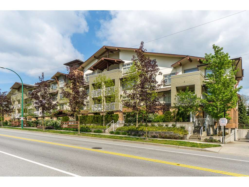 "Main Photo: 107 6500 194 Street in Surrey: Clayton Condo for sale in ""SUNSET GROVE"" (Cloverdale)  : MLS®# R2356040"