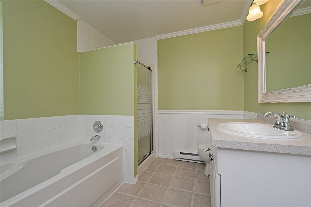 "Photo 13: Photos: 15 4756 62 Street in Delta: Holly Townhouse for sale in ""ASHLEY GREEN"" (Ladner)  : MLS®# R2383202"