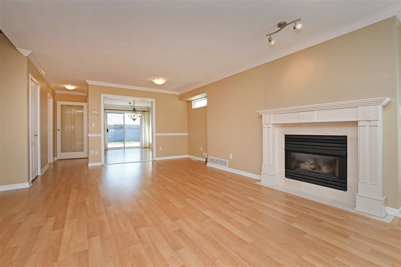 "Photo 1: Photos: 15 4756 62 Street in Delta: Holly Townhouse for sale in ""ASHLEY GREEN"" (Ladner)  : MLS®# R2383202"