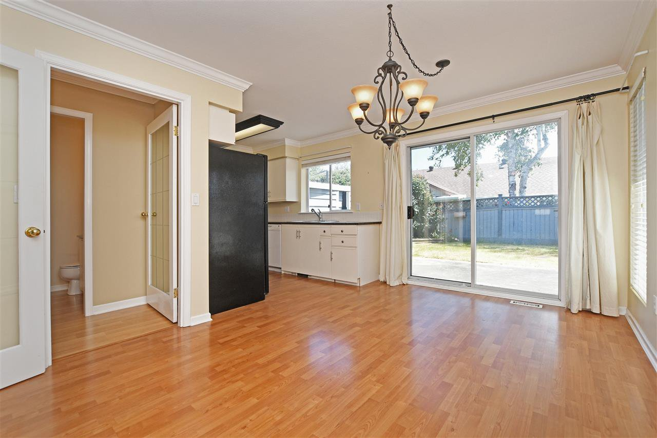 "Photo 6: Photos: 15 4756 62 Street in Delta: Holly Townhouse for sale in ""ASHLEY GREEN"" (Ladner)  : MLS®# R2383202"