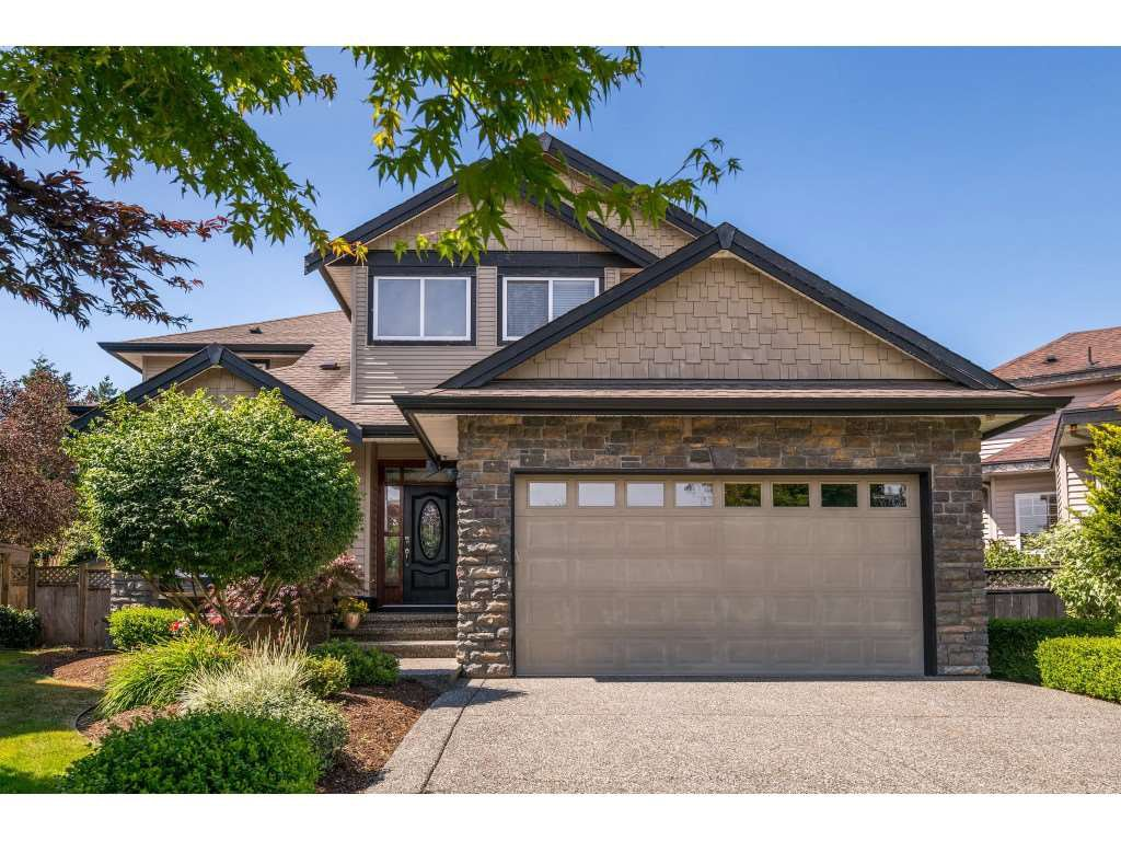 Main Photo: 6233 165 Street in Surrey: Cloverdale BC House for sale (Cloverdale)  : MLS®# R2384596