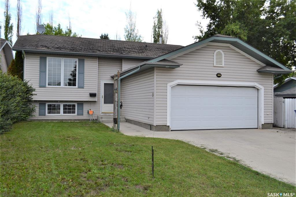 Main Photo: 318 Wedge Road in Saskatoon: Dundonald Residential for sale : MLS®# SK778676