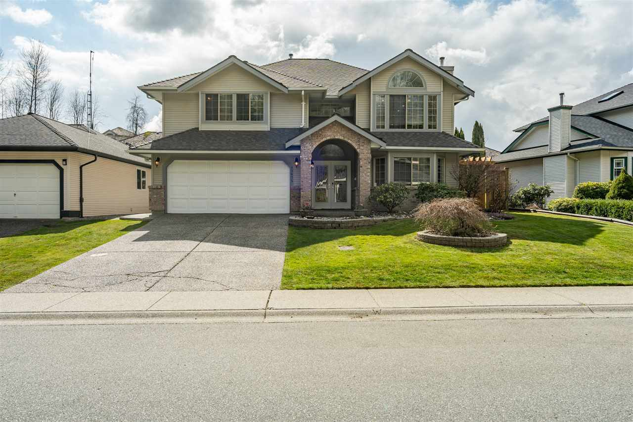 Main Photo: 23675 108 Loop in Maple Ridge: Albion House for sale : MLS®# R2447949