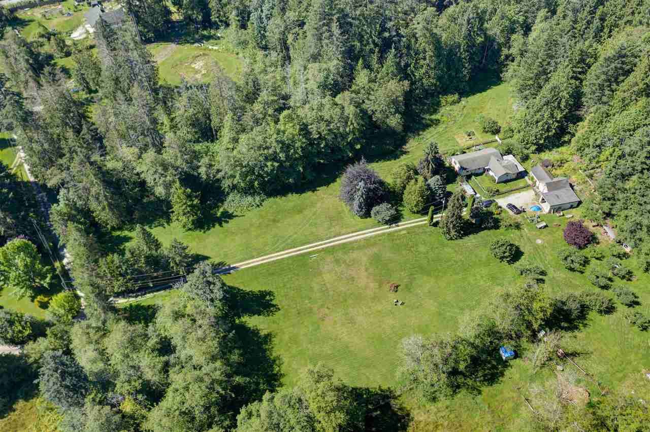 Photo 3: Photos: 5761 MCLAUGHAN Road in Sechelt: Sechelt District House for sale (Sunshine Coast)  : MLS®# R2479077
