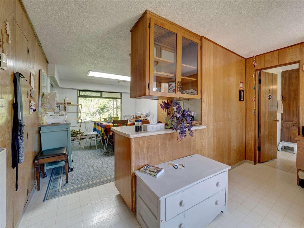 Photo 11: Photos: 5761 MCLAUGHAN Road in Sechelt: Sechelt District House for sale (Sunshine Coast)  : MLS®# R2479077