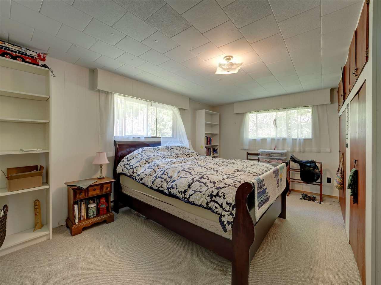 Photo 17: Photos: 5761 MCLAUGHAN Road in Sechelt: Sechelt District House for sale (Sunshine Coast)  : MLS®# R2479077