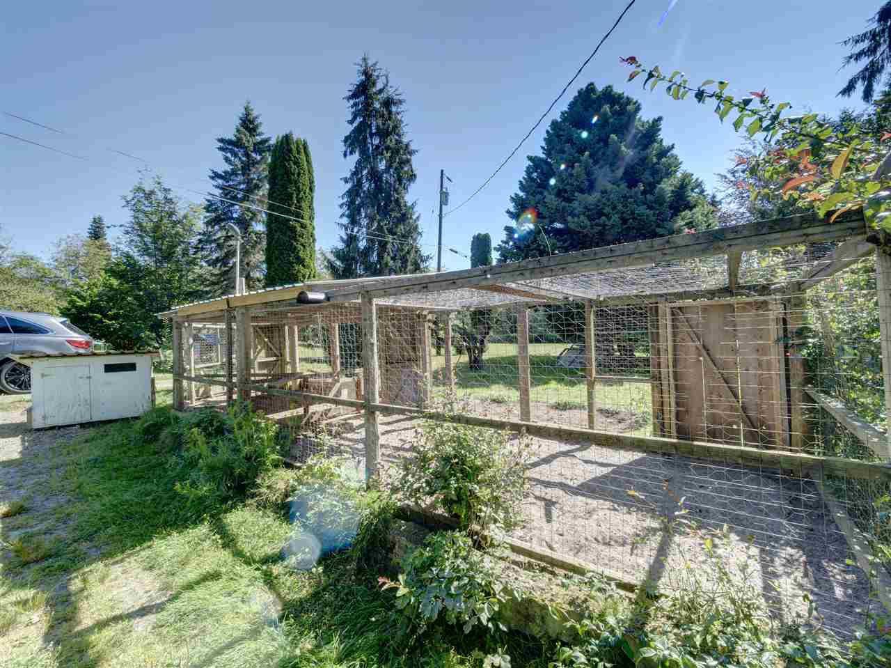Photo 24: Photos: 5761 MCLAUGHAN Road in Sechelt: Sechelt District House for sale (Sunshine Coast)  : MLS®# R2479077