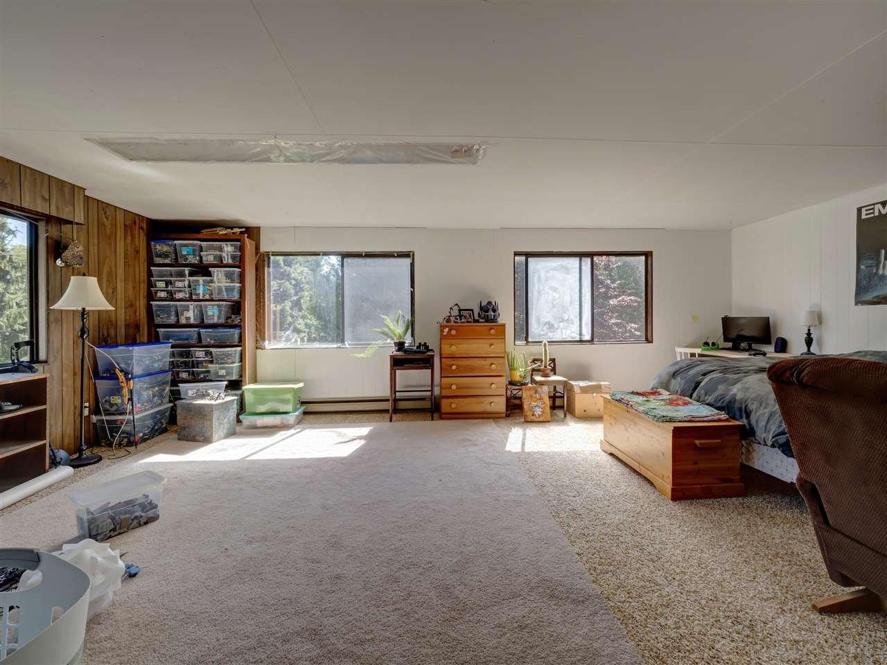Photo 15: Photos: 5761 MCLAUGHAN Road in Sechelt: Sechelt District House for sale (Sunshine Coast)  : MLS®# R2479077