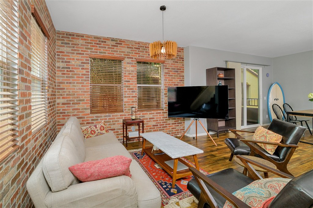 Main Photo: EAST SAN DIEGO Townhome for sale : 3 bedrooms : 5435 Soho View Ter in San Diego