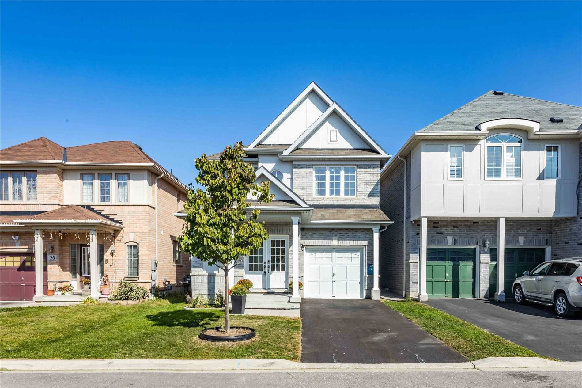 Main Photo: 23 Kinrade Crescent in Ajax: Central East House (2-Storey) for sale : MLS®# E4928437