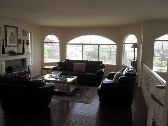 Photo 2: Photos: 12280 202ND Street in Maple Ridge: Northwest Maple Ridge House for sale : MLS®# V901383