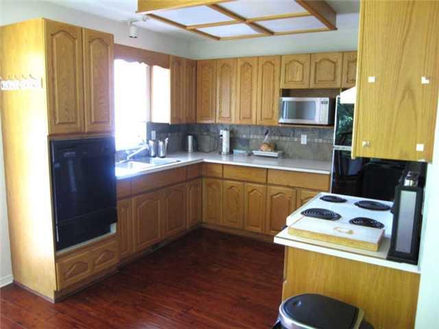 Photo 3: Photos: 12280 202ND Street in Maple Ridge: Northwest Maple Ridge House for sale : MLS®# V901383