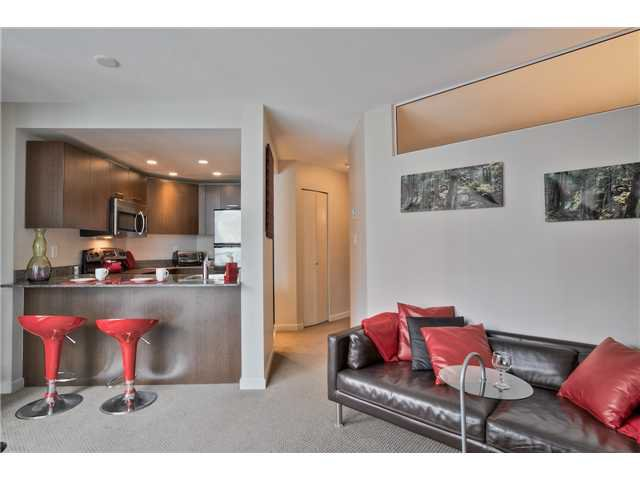 "Main Photo: 504 1212 HOWE Street in Vancouver: Downtown VW Condo for sale in ""1212 HOWE"" (Vancouver West)  : MLS®# V1054674"