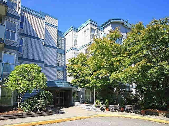 "Main Photo: 202 14885 100TH Avenue in Surrey: Guildford Condo for sale in ""THE DORCHESTER-GUILDFORD"" (North Surrey)  : MLS®# F1425064"