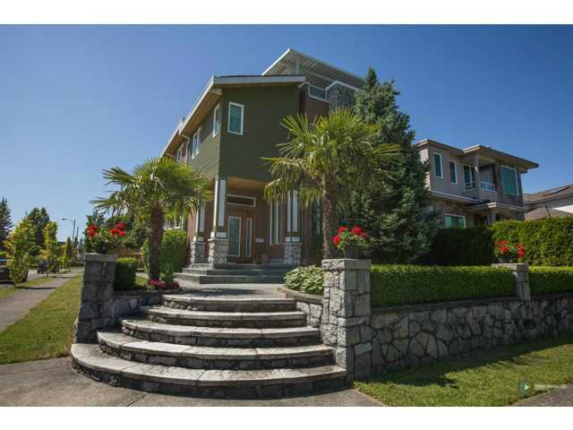 Main Photo: 2323 HOYLAKE Avenue in Vancouver: Fraserview VE House for sale (Vancouver East)  : MLS®# V1102123