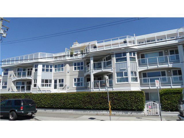 "Main Photo: 202 15367 BUENA VISTA Avenue: White Rock Condo for sale in ""THE PALMS"" (South Surrey White Rock)  : MLS®# F1445405"