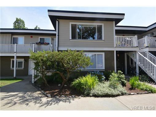 Main Photo: 107 636 Granderson Rd in VICTORIA: La Fairway Condo Apartment for sale (Langford)  : MLS®# 736308