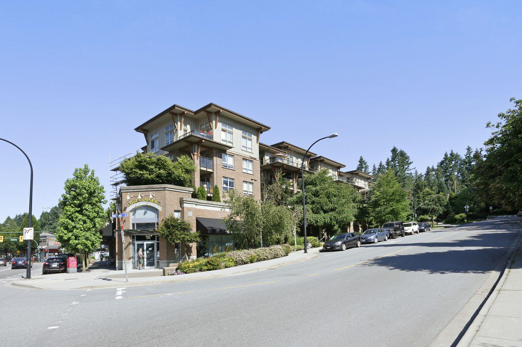 "Main Photo: 420 1633 MACKAY Avenue in North Vancouver: Pemberton Heights Condo for sale in ""TOUCHSTONE"" : MLS®# R2183726"