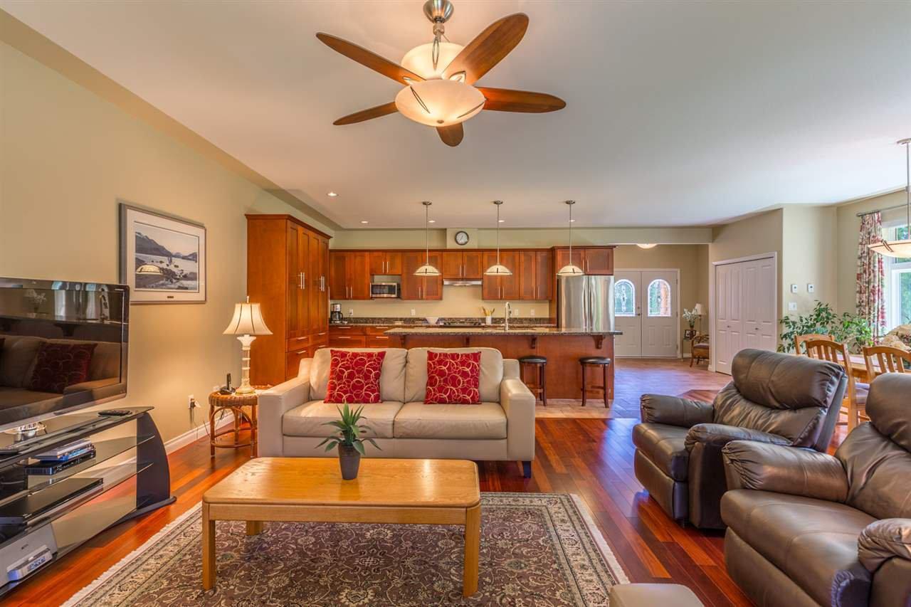 Photo 7: Photos: 5573 NICKERSON Road in Sechelt: Sechelt District House for sale (Sunshine Coast)  : MLS®# R2191954