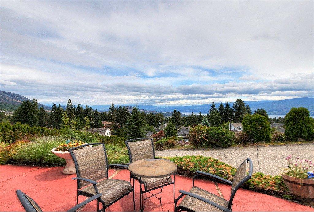 Main Photo: 3542 Ranch Road in West Kelowna: Glenrosa House for sale (Central Okanagan)  : MLS®# 10138790