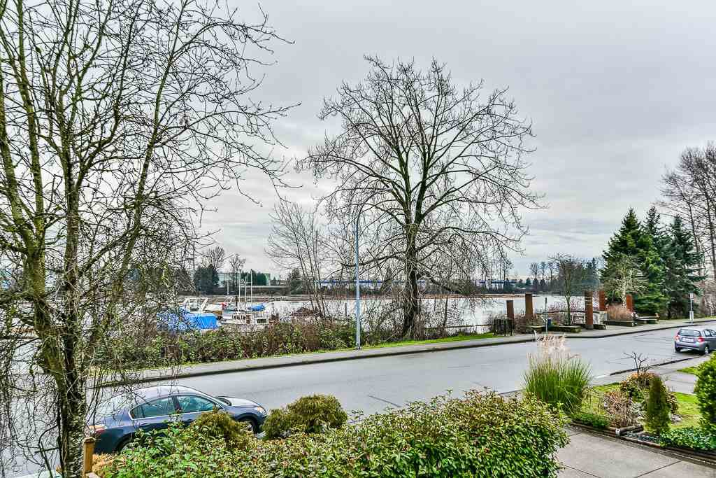 Photo 17: Photos: 1219 SOUTH DYKE Road in New Westminster: Queensborough House for sale : MLS®# R2238163