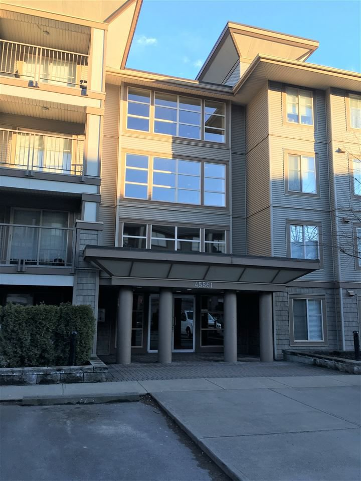 "Main Photo: 304 45561 YALE Road in Chilliwack: Chilliwack W Young-Well Condo for sale in ""THE VIBE"" : MLS®# R2244979"