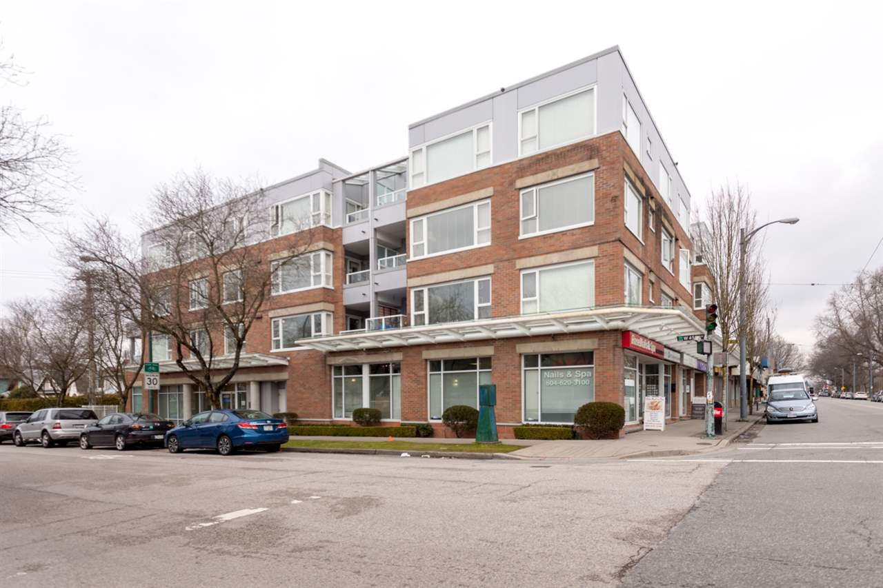 "Main Photo: 206 2103 W 45TH Avenue in Vancouver: Kerrisdale Condo for sale in ""The Legend"" (Vancouver West)  : MLS®# R2245216"