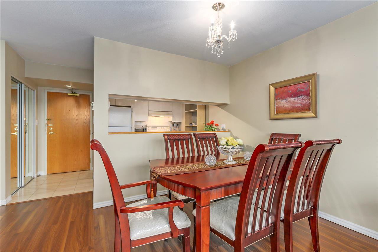 Photo 6: Photos: 1303 9623 MANCHESTER Drive in Burnaby: Cariboo Condo for sale (Burnaby North)  : MLS®# R2283068