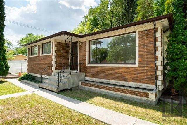 Main Photo: 1042 Garwood Avenue in Winnipeg: Residential for sale (1Bw)  : MLS®# 1820911