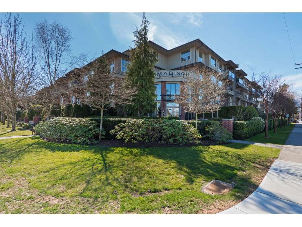 "Main Photo: 406 1787 154 Street in Surrey: King George Corridor Condo for sale in ""MADISON"" (South Surrey White Rock)  : MLS®# R2352235"